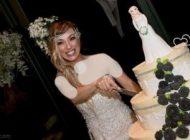 مراسم عروسی دختری که با خودش ازدواج کرد