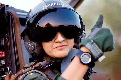 زیباترین و جذاب ترین دختران ارتش های نظامی