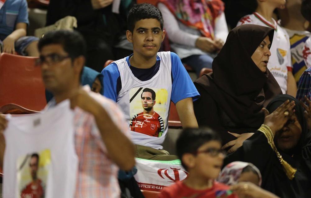 فحش دادن در ورزشگاه های ایران مانند نقل و نبات