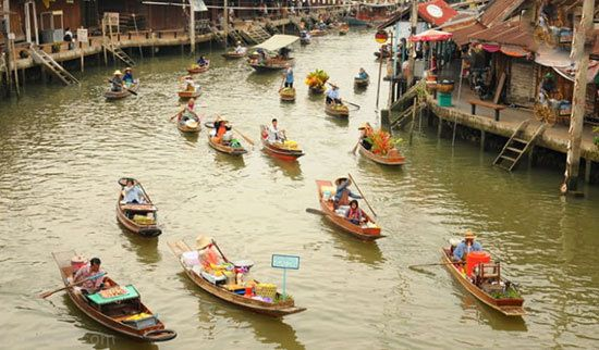معرفی دیدنی ترین شهرهای شناور روی آب توریستی