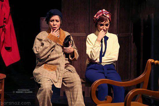 پاهای برهنه و لباس بازیگر زن در صحنه تئاتر جنجالی شد