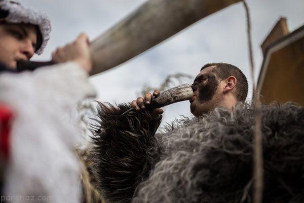 مردان و زنان در جشنواره عجیب بوسو مجارستان