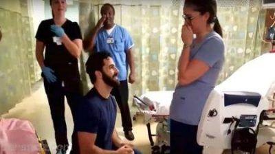 خواستگاری عجیب از دختر مورد علاقه در بیمارستان
