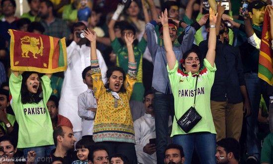 حضور دختران جذاب پاکستانی در ورزشگاه +عکس