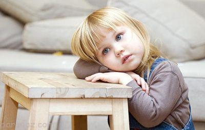 معرفی دلایل شایع بروز افسردگی در کودکان