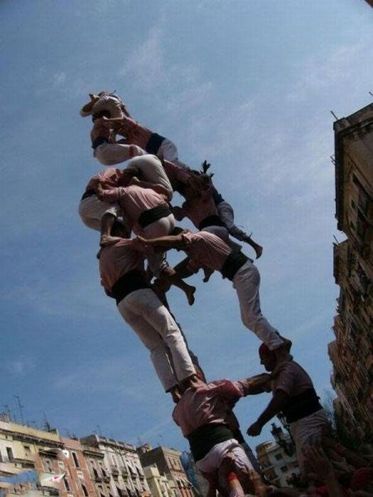 عکس های دیدنی از فستیوال برج های انسانی