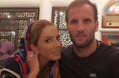 محسن بنگر در کنار همسرش با استایل و آرایش خاص