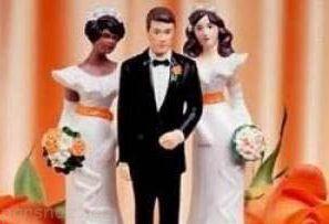 ازدواج این مرد با دو عروس همزمان در یک شب