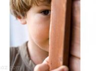 دلیل خجالتی بودن شدید در برخی از کودکان
