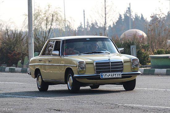 نمایشگاه خودروهای قدیمی و کلاسیک در آزادی