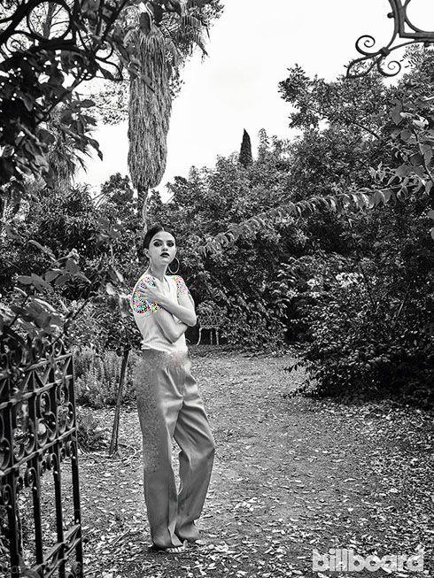 استایل جدید و جذاب سلنا گومز روی مجله بیلبورد