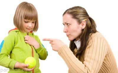 والدین نباید سر کودکان داد بزنند