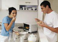غذا خوردن در حالت ایستاده منجر به کاهش وزن می شود