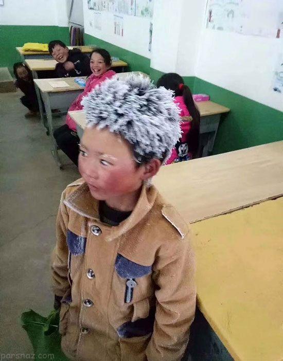 کودکی که در راه مدرسه یخ زد و منجمد شد +عکس