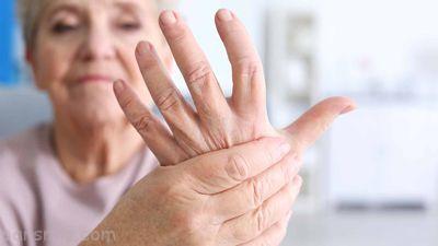 نشانه های این بیماری ها در دست ها قابل مشاهده است