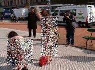 لخت شدن زنان روبروی دوربین در آیرس آرژانتین + (تصاویر زنان لخت)