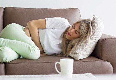 درد شدید شکم به علت عارضه چسبندگی رحم | درمان چسبندگی رحم با این نکات