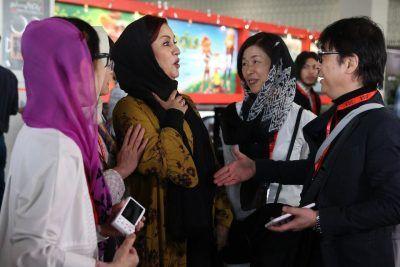 جنجال بر سر دست ندادن مریلا زارعی با مرد چینی | مریلا زارعی جشنواره جهانی فیلم فجر
