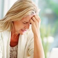 درباره یائسگی خانم ها در دوران میانسالی |یائسگی با چه نشانه هایی در خانم ها شروع می شود