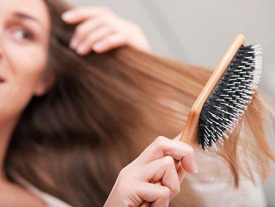 بهترین روش ها برای درمان ریزش موی خانم ها | درمان ریزش مو