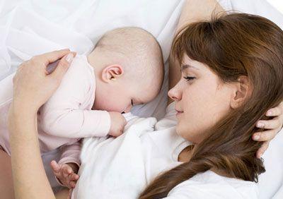 نکات شیر دادن به نوزاد در طول شب
