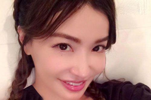 چهره جذاب زن 47 ساله که شبیه دختر 20 ساله است