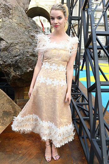 زیباترین مدل لباس و مدل آرایش بازیگران و ستاره های مشهور جهان