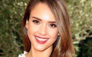 سلبریتی های زیبا که فکر می کنند زشت هستند   بازیگران مشهور زن که فکر می کنند زیبا نیستند