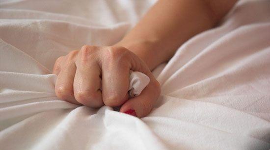 چرا برخی زنان بعد از دخول ارضا نمی شوند؟ علت و درمان مشکل (آموزش ارضا کردن زن)