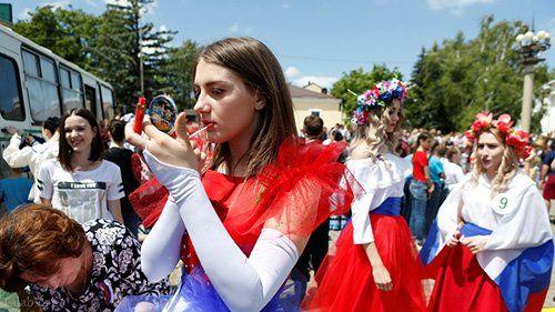 قانون عجیب رابطه جنسی بین دختران روس و مردان خارجی +عکس