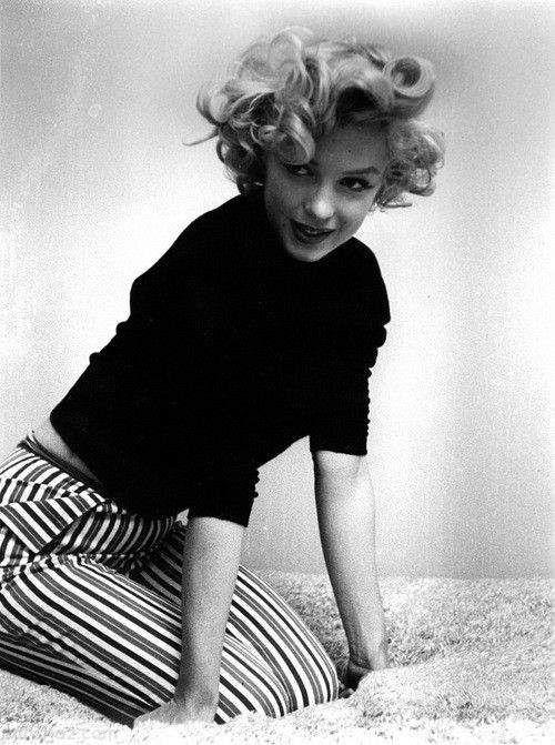 بیوگرافی مرلین مونرو زیباترین بازیگر قدیمی هالیوود +درباره همه زندگی خصوصی اش