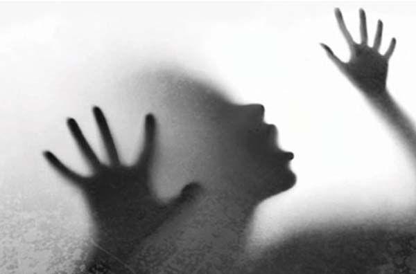 زنی که در نبود شوهرش با مرد غریبه همخواب شد