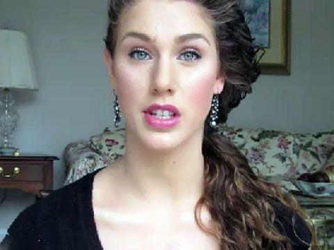 اندام جنسی این دختر زیبای مدل آمریکایی که دو واژن دارد باعث تعجب شد +عکس