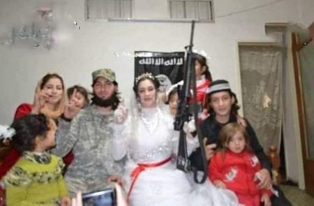 شب زفاف اين خواهران و برادران در يك اتاق + عكس و خبرهاي عجيب
