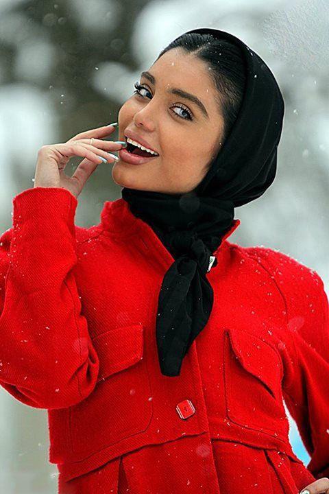 بیوگرافی ملیکا زمانی مدل زیبا و خوش اندام ایرانی + عکس های ملیکا زمانی