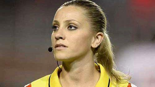 اولین داور زن جذاب و زیبا حاضر در جام جهانی 2018 روسیه +عکس