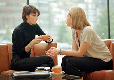 چطور در گفتگو با افراد جذاب و خوشرو باشیم؟