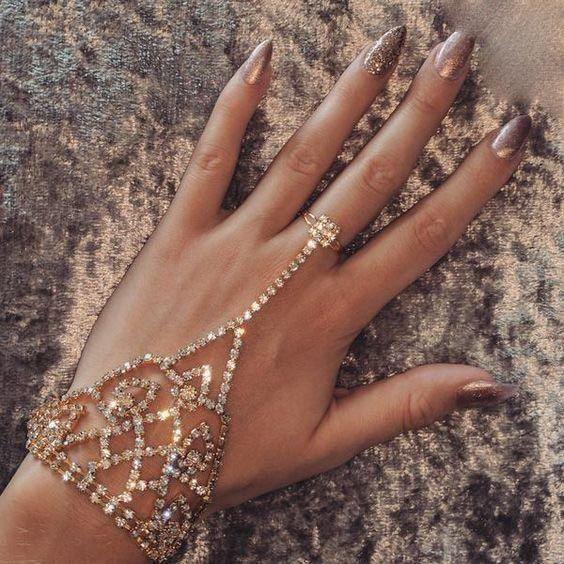 جواهرات و زیورآلات شیک و لاکچری 2018 و 2019 برای دختر خانم های مشکل پسند