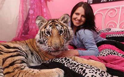 رابطه جنسی این دختر با حیوانات وحشی + عکس و مطالب داغ روز