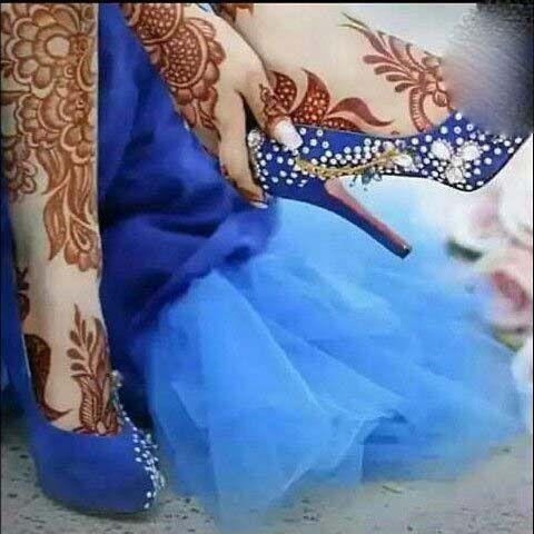 طرح های جذاب حنا روی بدن این دختران زیبا | زیباترین طرح های مدل حنا