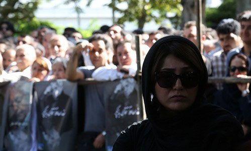 عکس ها و حواشی مراسم تشییع عزت الله انتظامی