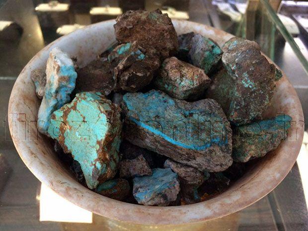خواص سنگ فیروزه | فواید نگاه داشتن سنگ فیروزه (همه چیز درباره سنگ فیروزه)