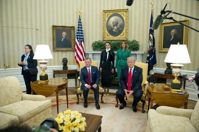 24 ساعت با ملانیا ترامپ   سبک زندگی بانوی اول آمریکا