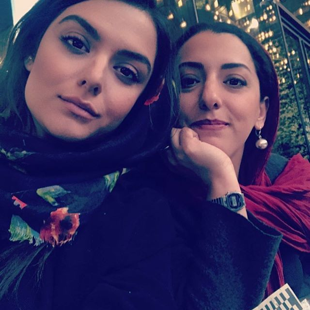 کافه اینستا با دنیا مدنی | دختر مسعود رایگان و رویا تیموریان