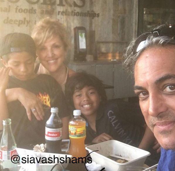 بیوگرافی سیاوش شمس و همسرش + فرزند خوانده های او