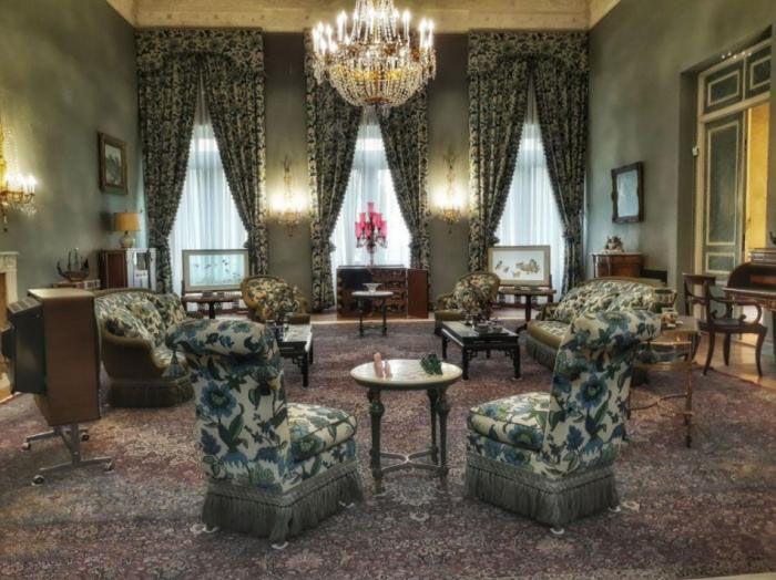 گشتی در کاخ سفید تهران | استراحت گاه فرح و شاه پهلوی