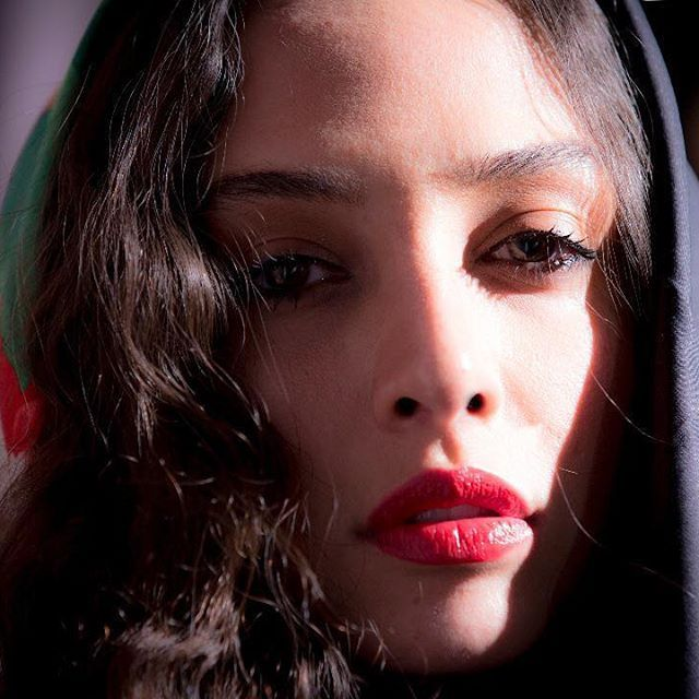 کافه اینستا با آناهیتا درگاهی بازیگر جوان سینما همسر اشکان خطیبی