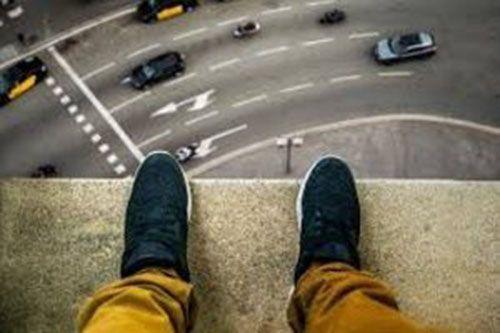 ماجرای 2 خودکشی | یکی بخاطر سفر و دیگری برای خرید ماشین