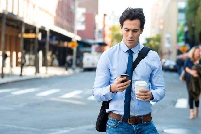 آداب استفاده از تلفن همراه | آموزش کامل استفاده صحیح از موبایل +عکس