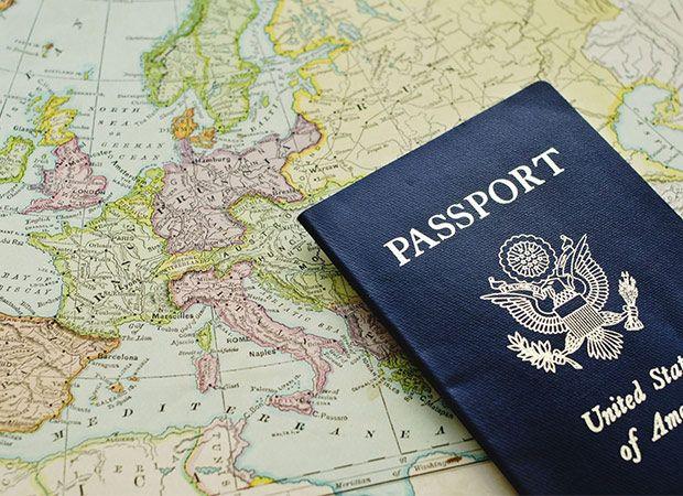 لیست تمام وسایل ضروری برای سفر + وسایلی که نباید ببرید